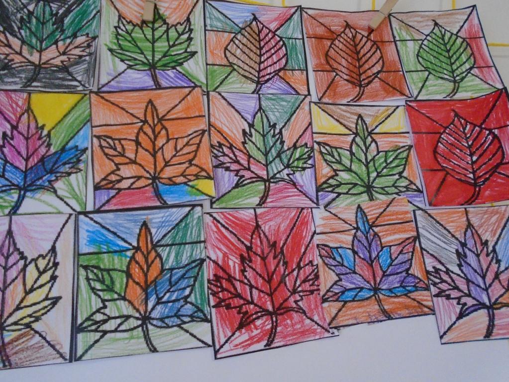 Kolektivní malování dětí na téma barevný podzim
